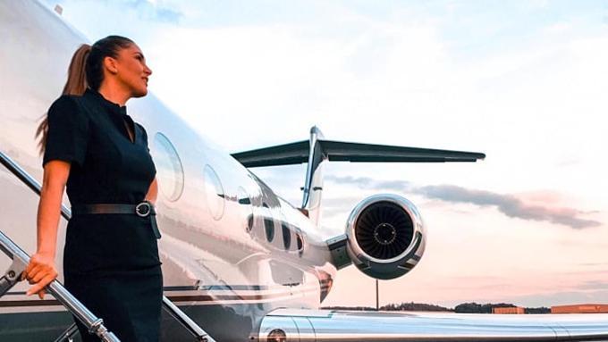 Đi 130 nước nhờ làm tiếp viên hàng không cho VIP Ảnh 1