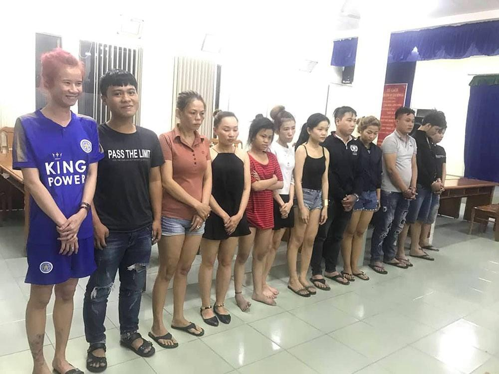Khởi tố nhóm giả gái mại dâm khiến hàng nghìn 'khách làng chơi' ôm hận Ảnh 1