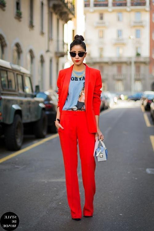 10 cách mặc sành điệu với kiểu áo ai cũng có Ảnh 4