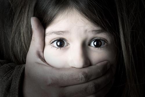 Mỹ ký luật cho phép tội phạm xâm hại tình dục trẻ em phải bị thiến bằng thuốc Ảnh 1