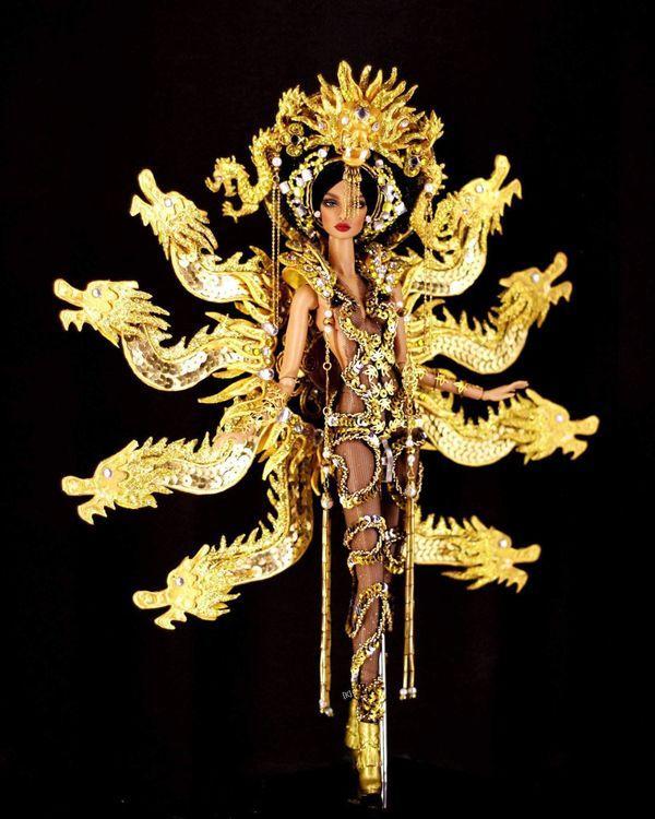 'Mắt tròn mắt dẹt' với mẫu National Costume 'chín rồng' phiên bản búp bê y như thật Ảnh 5