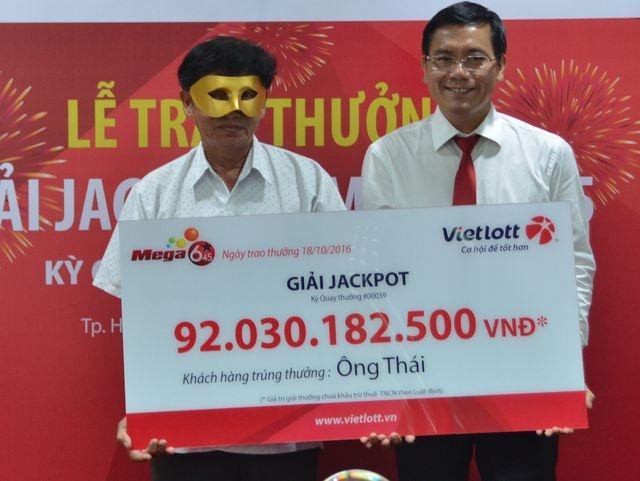 Hàng loạt điểm bán đóng cửa, Vietlott 'bắt tay' với VinMart Ảnh 4