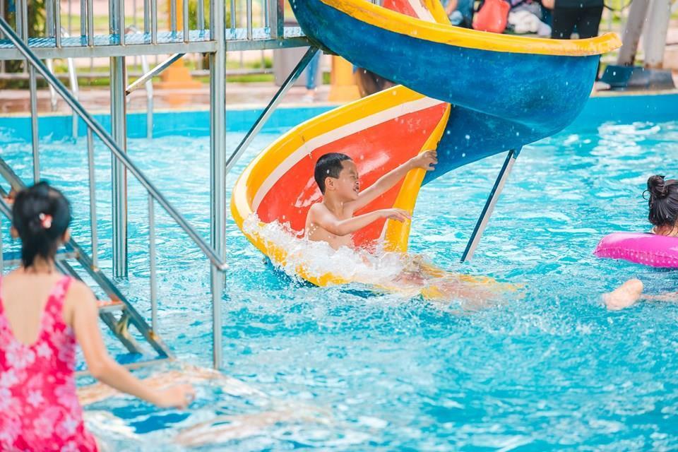Loạt công viên nước quanh Hà Nội, TP.HCM xua tan nắng nóng ngày hè Ảnh 11