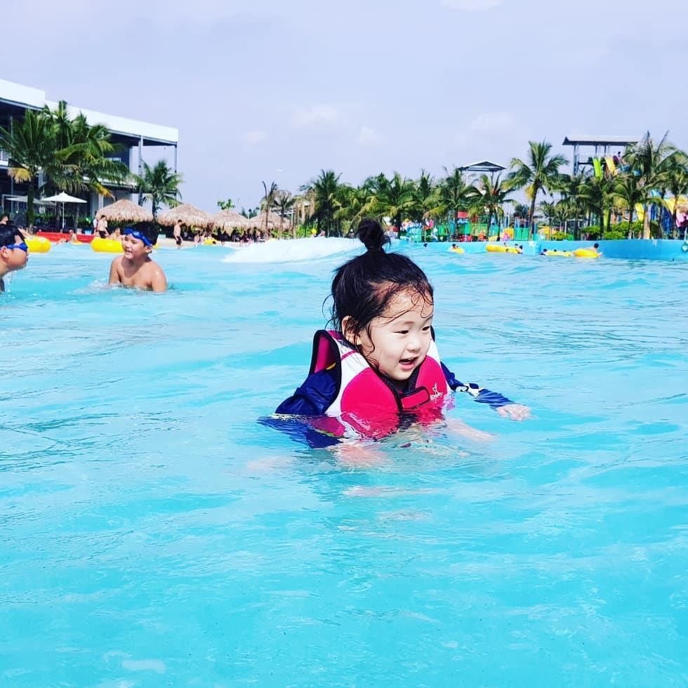 Loạt công viên nước quanh Hà Nội, TP.HCM xua tan nắng nóng ngày hè Ảnh 3