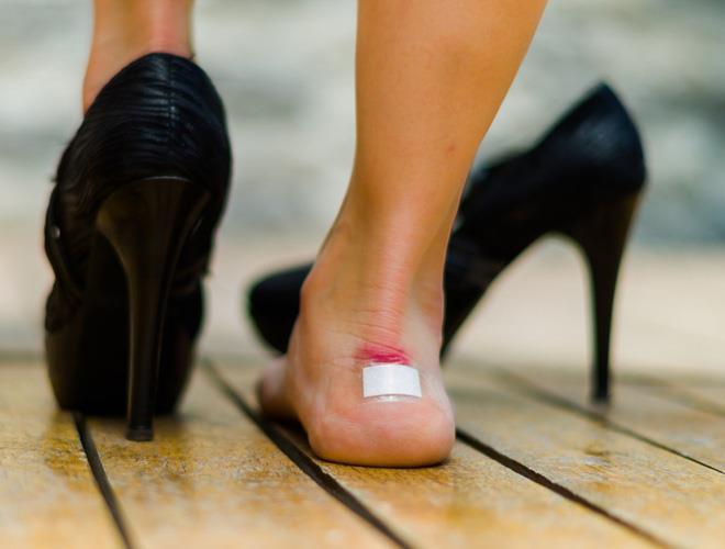 Tác hại của giày cao gót sau lời cảnh báo từ H'Hen Niê Ảnh 2