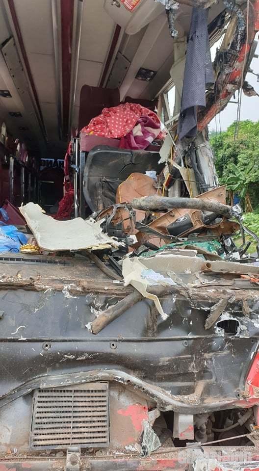 Em gái tử vong, chị bị thương nặng trong vụ tai nạn thảm khốc ở Hòa Bình Ảnh 4