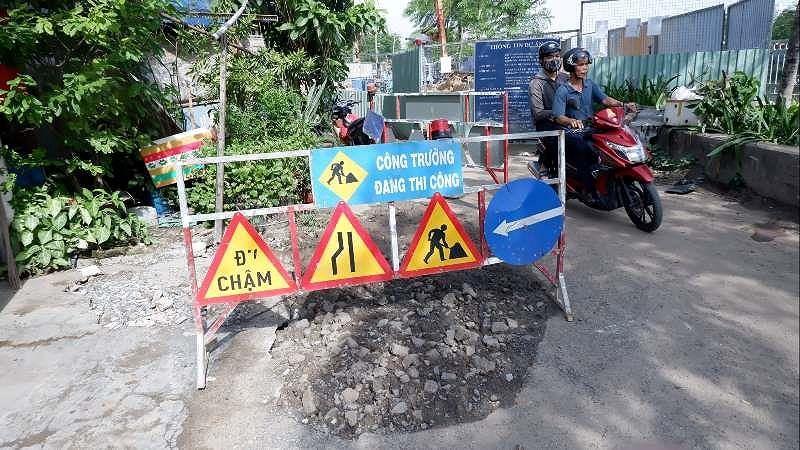 Công trình cải thiện môi trường nước gây sụp lún nhà dân Ảnh 2