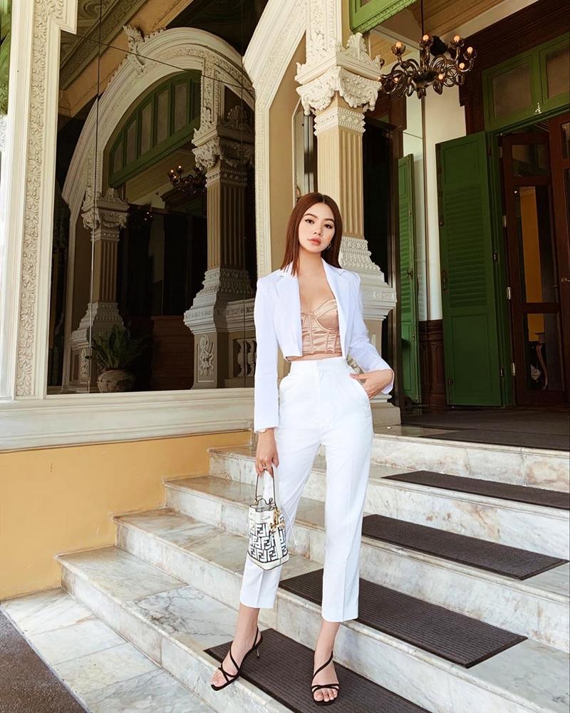 Street style sao Việt tuần qua: Diệp Lâm Anh bầu bí vẫn sexy, Chi Pu, Minh Hằng gợi cảm hết mực Ảnh 3