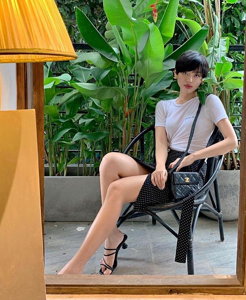 Street style sao Việt tuần qua: Diệp Lâm Anh bầu bí vẫn sexy, Chi Pu, Minh Hằng gợi cảm hết mực Ảnh 16