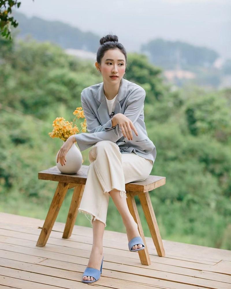 Street style sao Việt tuần qua: Diệp Lâm Anh bầu bí vẫn sexy, Chi Pu, Minh Hằng gợi cảm hết mực Ảnh 17