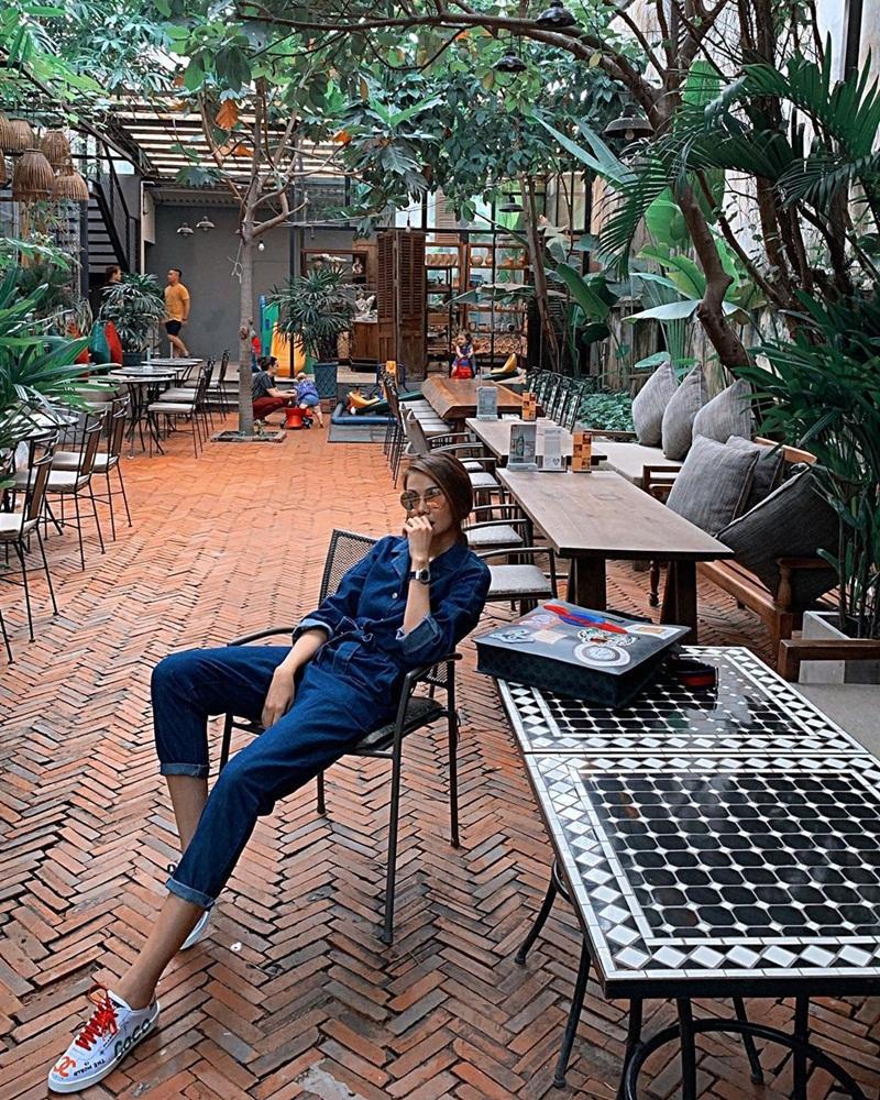 Street style sao Việt tuần qua: Diệp Lâm Anh bầu bí vẫn sexy, Chi Pu, Minh Hằng gợi cảm hết mực Ảnh 14