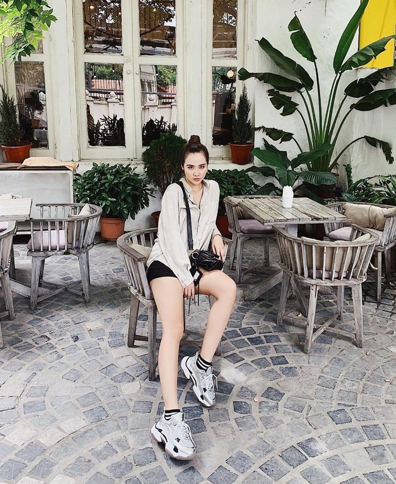 Street style sao Việt tuần qua: Diệp Lâm Anh bầu bí vẫn sexy, Chi Pu, Minh Hằng gợi cảm hết mực Ảnh 20