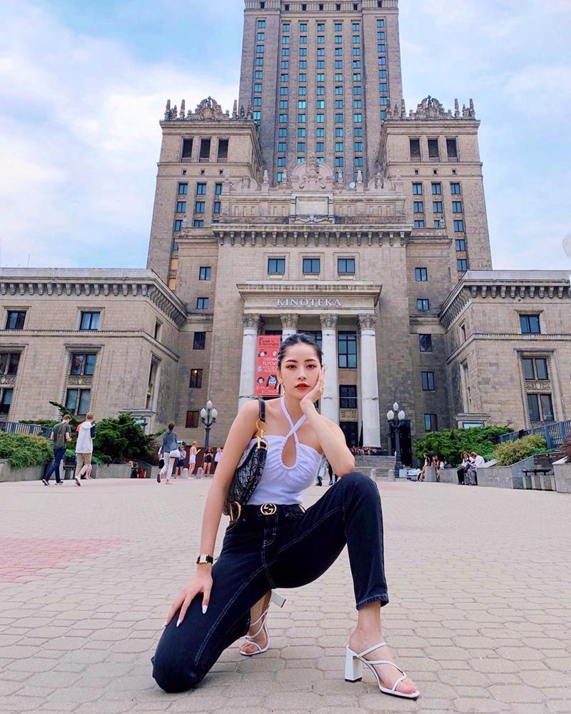 Street style sao Việt tuần qua: Diệp Lâm Anh bầu bí vẫn sexy, Chi Pu, Minh Hằng gợi cảm hết mực Ảnh 2