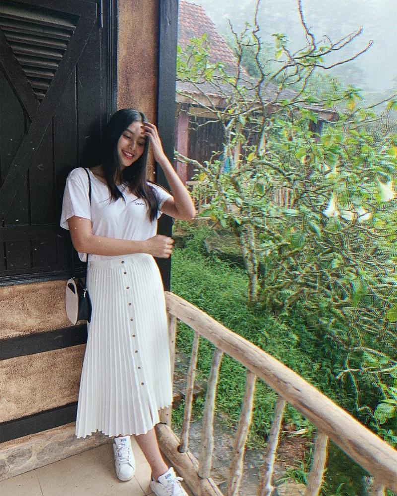 Street style sao Việt tuần qua: Diệp Lâm Anh bầu bí vẫn sexy, Chi Pu, Minh Hằng gợi cảm hết mực Ảnh 22
