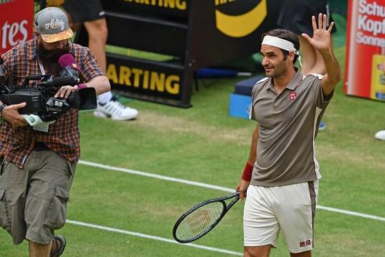 Halle Open: Zverev, Coric đều bị loại, Federer rộng cửa vô địch lần thứ 10 Ảnh 1