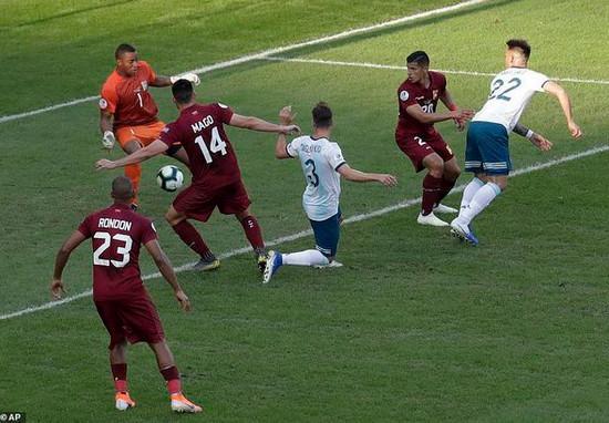 Copa America 2019: Argentina và Chile giành vé vào bán kết Ảnh 1