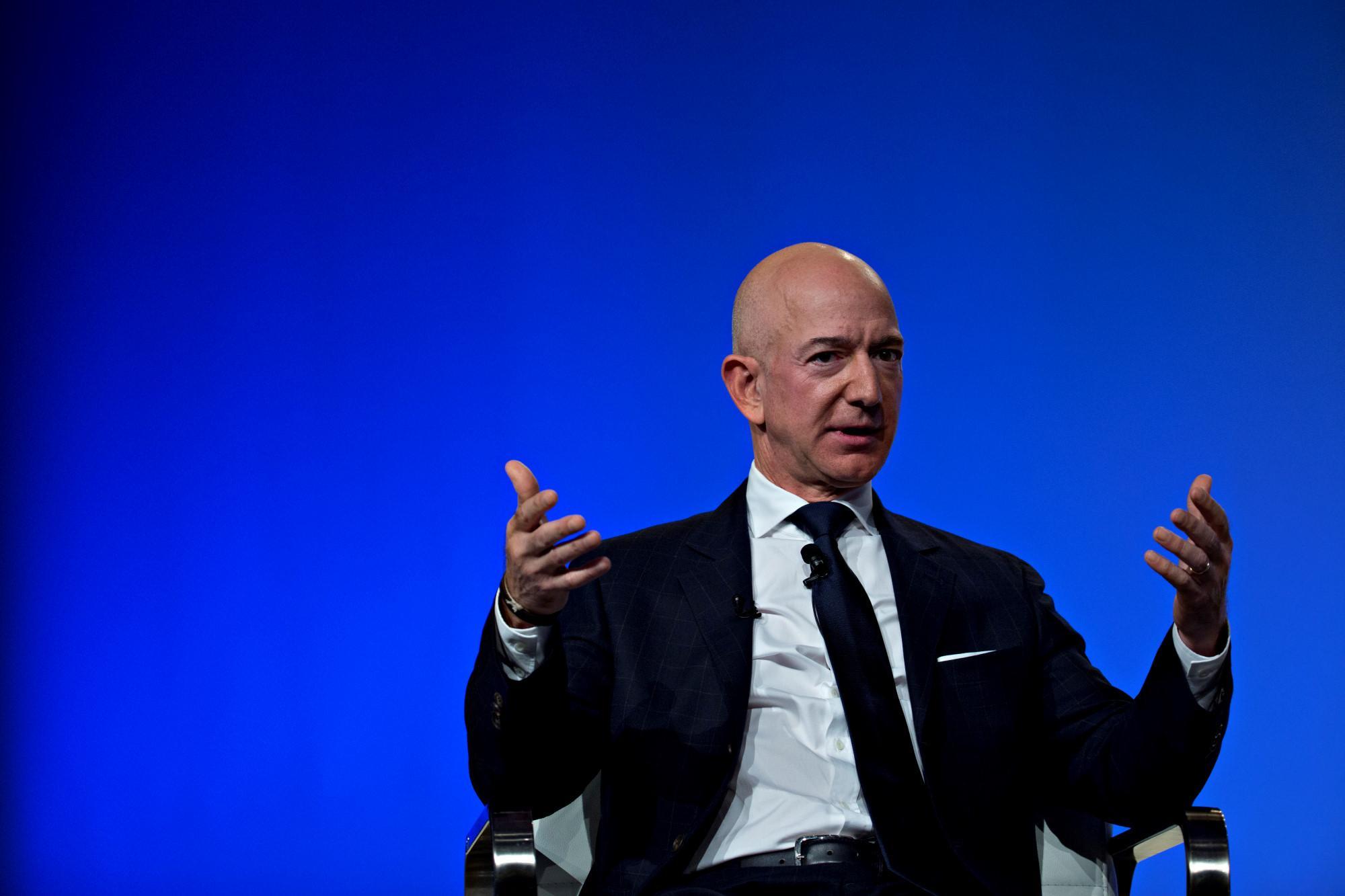 Nối gót SpaceX, Amazon sẽ phóng vệ tinh internet băng thông rộng Ảnh 1
