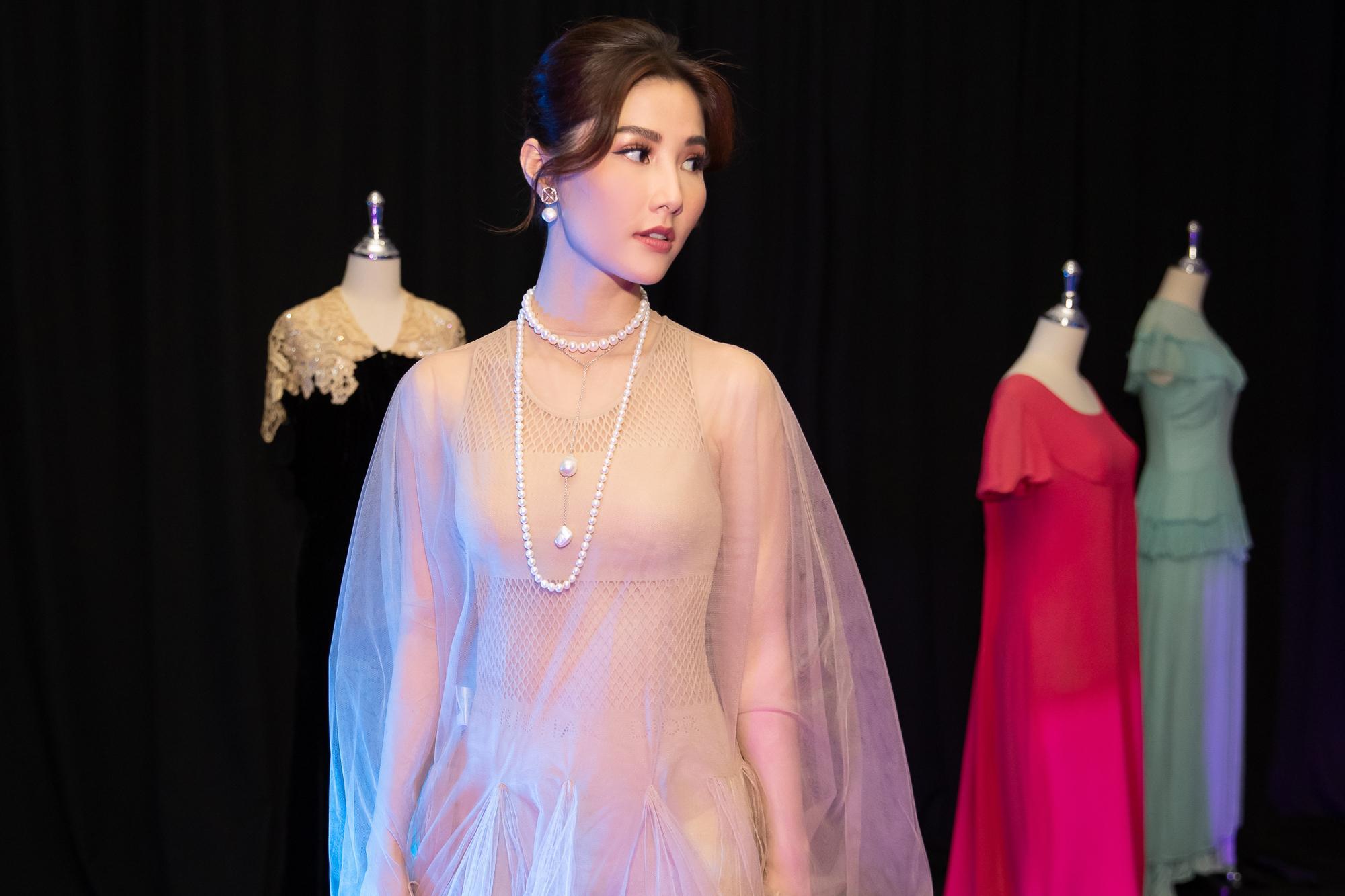Diễm My 9X hóa 'nàng thơ', đụng hàng Song Hye Kyo với váy Dior Ảnh 3