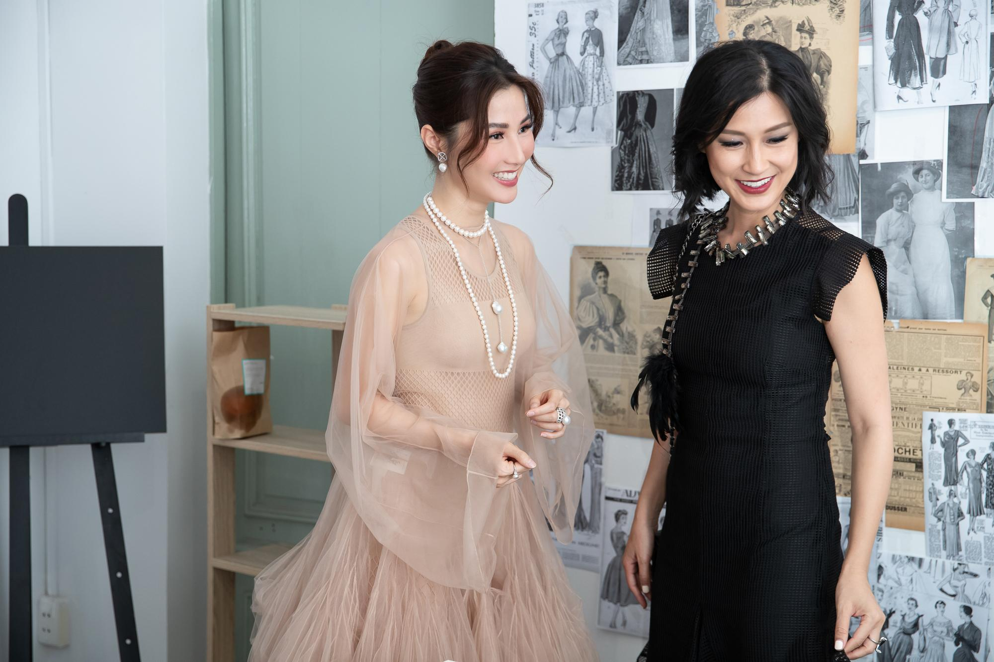 Diễm My 9X hóa 'nàng thơ', đụng hàng Song Hye Kyo với váy Dior Ảnh 1