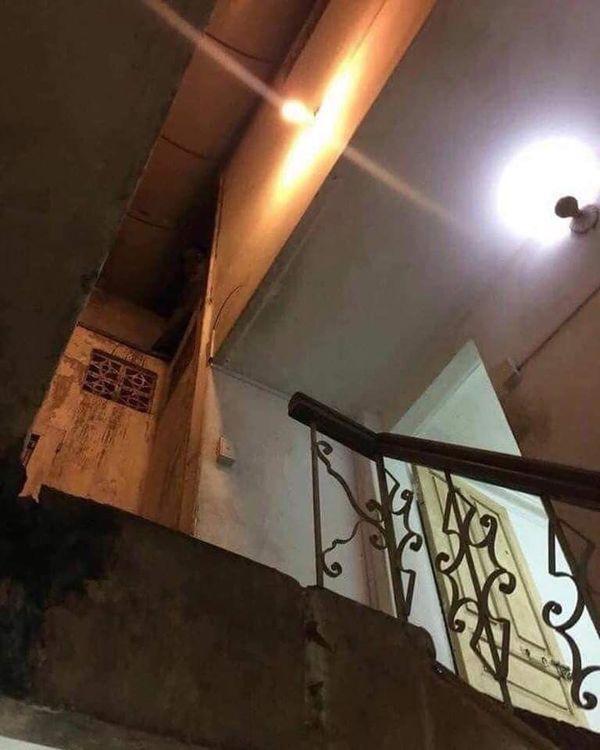 Thực hư câu chuyện sau bức hình về 'hồn ma nữ' ám ảnh khu nhà trọ Ảnh 2