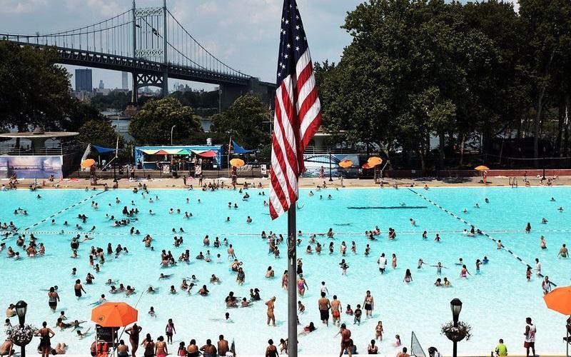 Mỹ chống chọi với nắng nóng kỷ lục lên tới 43 độ C Ảnh 1