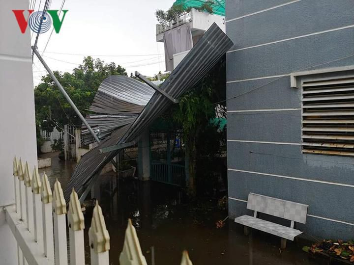 Mưa lớn ở An Giang làm 1 người chết, hơn 600 ngôi nhà bị tốc mái Ảnh 3