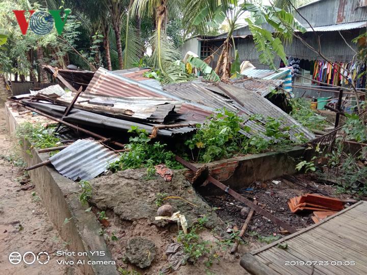 Mưa lớn ở An Giang làm 1 người chết, hơn 600 ngôi nhà bị tốc mái Ảnh 2