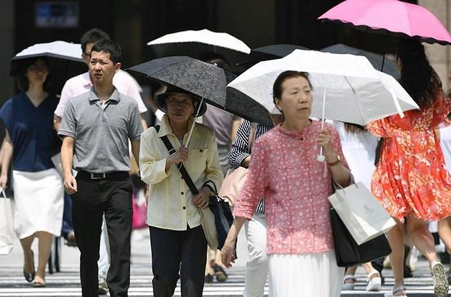 Nhật Bản: Hàng ngàn người nhập viện do nắng nóng Ảnh 1