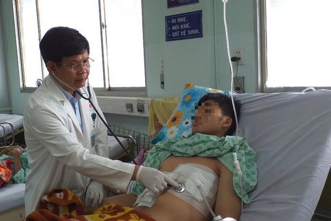 Tai nạn khó tin, nuốt tăm không biết dẫn đến thủng tim Ảnh 1