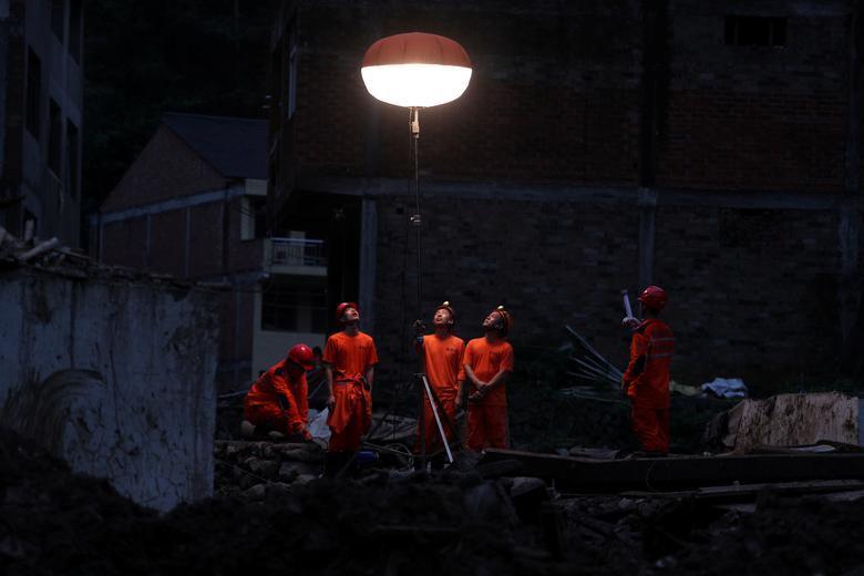 Trung Quốc tan hoang sau trận bão Lekima làm hàng chục người chết Ảnh 9