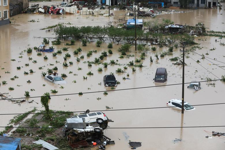 Trung Quốc tan hoang sau trận bão Lekima làm hàng chục người chết Ảnh 2
