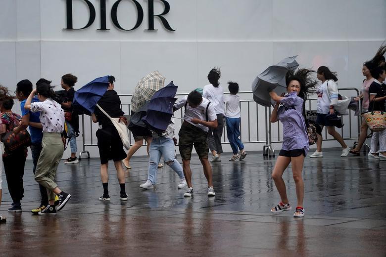 Trung Quốc tan hoang sau trận bão Lekima làm hàng chục người chết Ảnh 3