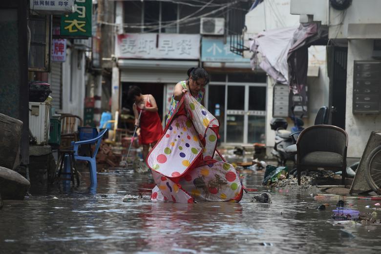 Trung Quốc tan hoang sau trận bão Lekima làm hàng chục người chết Ảnh 5