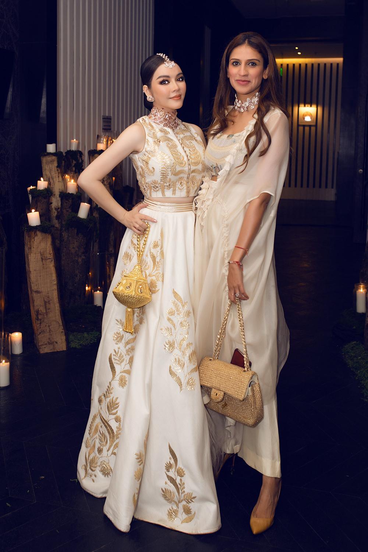 Tỉ phú Ấn Độ may váy dát vàng mời Lý Nhã Kỳ dự sinh nhật Ảnh 4