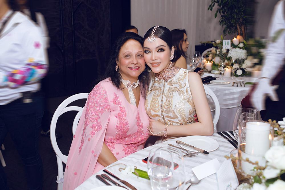 Tỉ phú Ấn Độ may váy dát vàng mời Lý Nhã Kỳ dự sinh nhật Ảnh 7