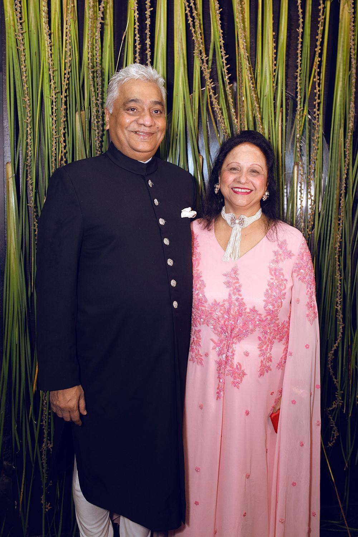 Tỉ phú Ấn Độ may váy dát vàng mời Lý Nhã Kỳ dự sinh nhật Ảnh 3