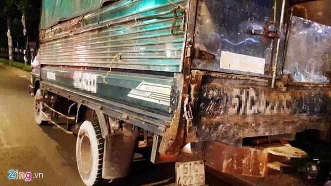 Máy bơm bê tông đứt khỏi xe tải khiến 2 thanh niên tử vong ở Sài Gòn Ảnh 2