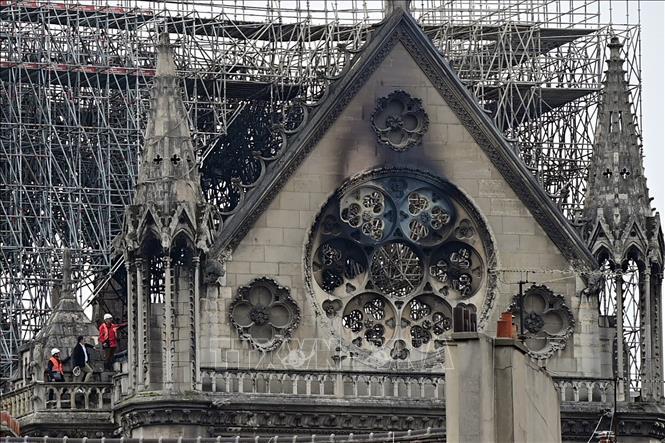 Nhà thờ Đức Bà Paris vẫn đối mặt với nguy cơ bị sập Ảnh 1