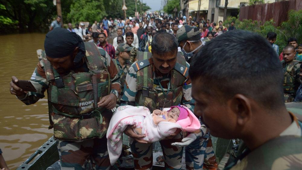 Hơn 200 người tử vong vì mưa lũ, Ấn Độ ban bố tình trạng khẩn cấp Ảnh 2
