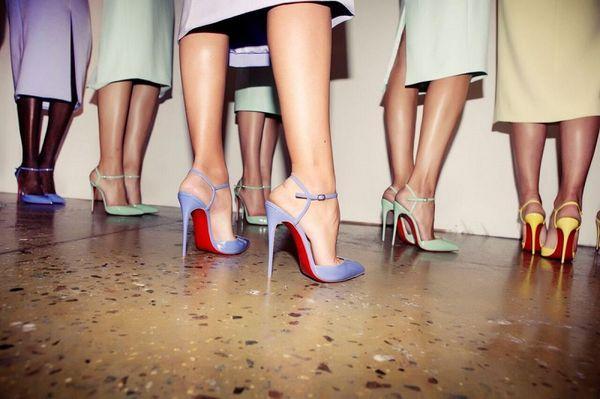 Christian Louboutin - 'cha đẻ' của những đôi giày cao gót đế đỏ làm triệu phụ nữ đắm say Ảnh 1