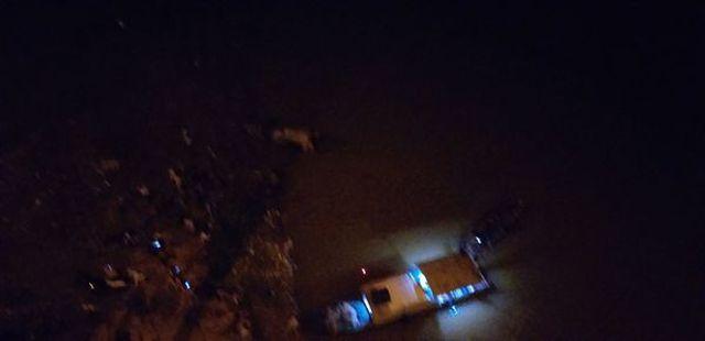 Thiếu nữ 18 tuổi bỏ lại xe máy trên cầu Vĩnh Tuy, nhảy xuống sông Hồng Ảnh 2