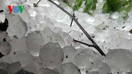 Miền Bắc xuất hiện mưa đá, dông lốc trong những ngày tới Ảnh 1
