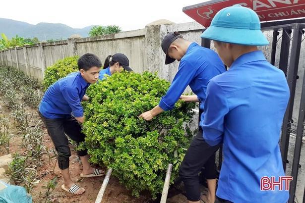 Tuổi trẻ Hà Tĩnh hành động hưởng ứng kỷ niệm 20 năm 'Chiến dịch thanh niên tình nguyện hè' Ảnh 11