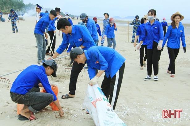 Tuổi trẻ Hà Tĩnh hành động hưởng ứng kỷ niệm 20 năm 'Chiến dịch thanh niên tình nguyện hè' Ảnh 3