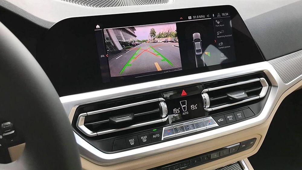 Cận cảnh BMW 330i M Sport giá 2,379 tỷ đồng sắp ra mắt tại Việt Nam Ảnh 9