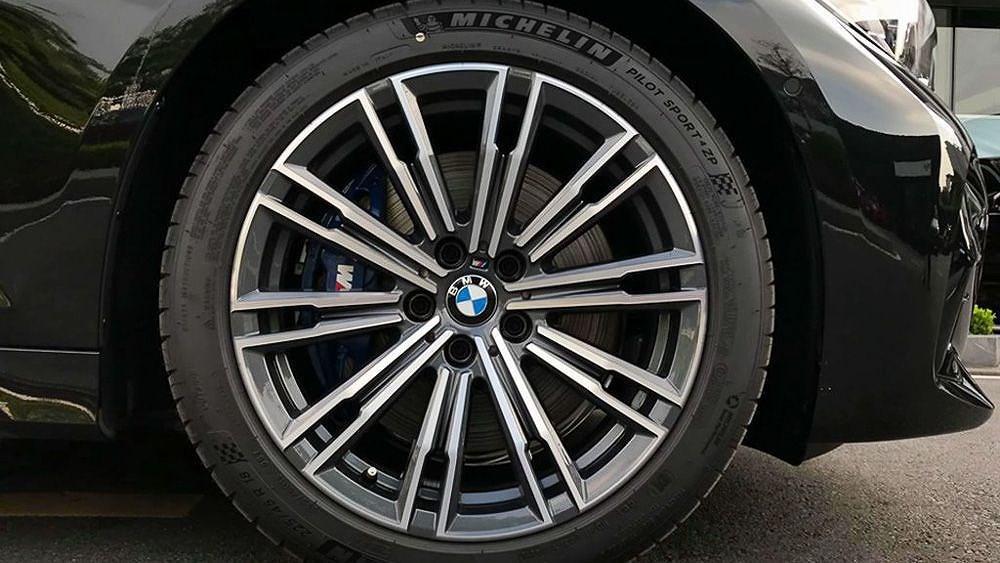 Cận cảnh BMW 330i M Sport giá 2,379 tỷ đồng sắp ra mắt tại Việt Nam Ảnh 7