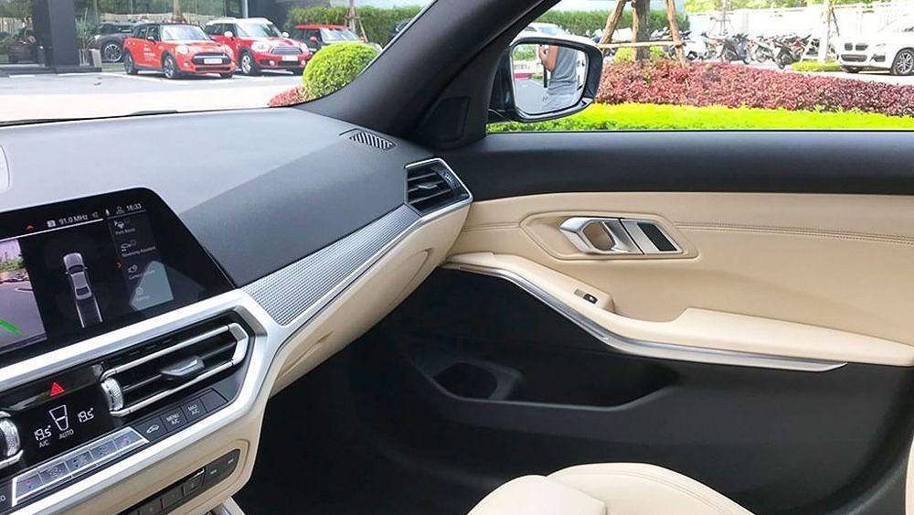Cận cảnh BMW 330i M Sport giá 2,379 tỷ đồng sắp ra mắt tại Việt Nam Ảnh 15
