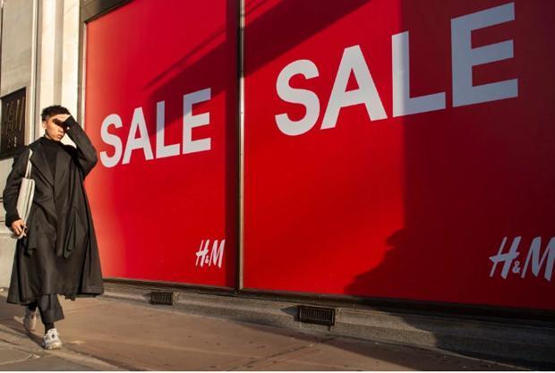 Doanh số bán lẻ tại Anh sụt giảm chưa từng thấy trong 10 năm Ảnh 1