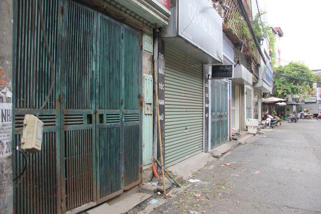 Sau vụ cháy Rạng Đông: Nhiều nhà dân nhận 'lệnh' di dời, sơ tán con về quê Ảnh 4