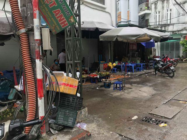 Sau vụ cháy Rạng Đông: Nhiều nhà dân nhận 'lệnh' di dời, sơ tán con về quê Ảnh 6